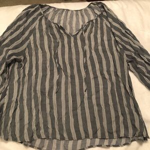 Tops - 🎀LIKE NEW! Striped top